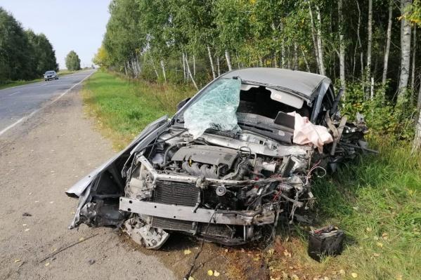 Пассажир этой иномарки погиб в ДТП