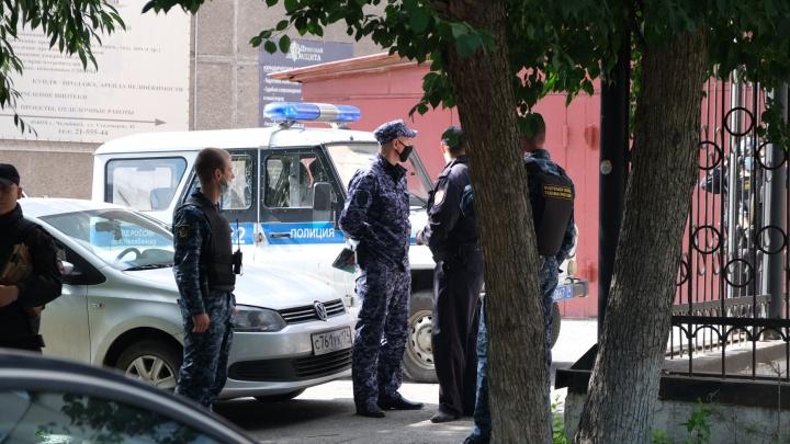 Из судов в Челябинске и пригороде массово эвакуировали людей