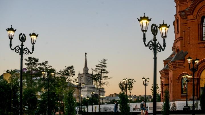 «Детей не отпускать, ходить строго трезвыми»: новый Александровский сад оказался опасным для волгоградцев