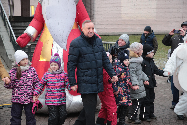 Губернатор Беглов поздравляет жителей Шушар с Новым годом
