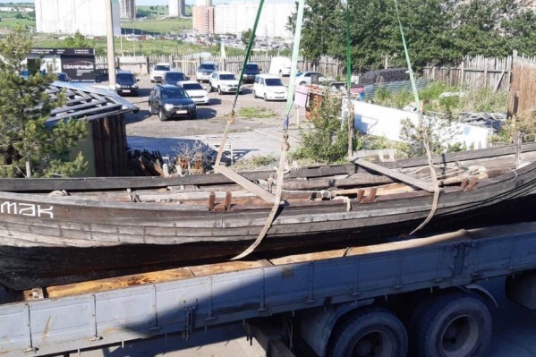 Лодка хранилась на складе в микрорайоне «Солнечный»
