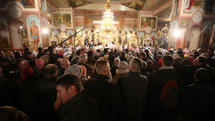 Молитесь дома: НГС в прямом эфире покажет праздничное богослужение на Пасху