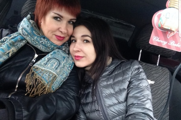 Ирина Старушик (слева) почти месяц боролась с болезнью