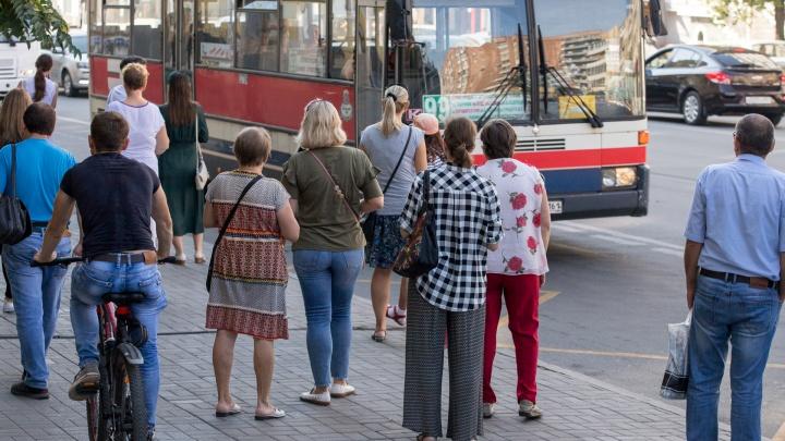 Власти посоветовали ростовским предприятиям перейти на гибкий график из-за коронавируса