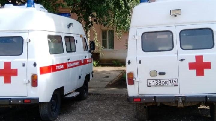 «Всех собрали на совещание и обругали»: водителям скорых отказывают в выплатах за COVID-19 в Волгоградской области