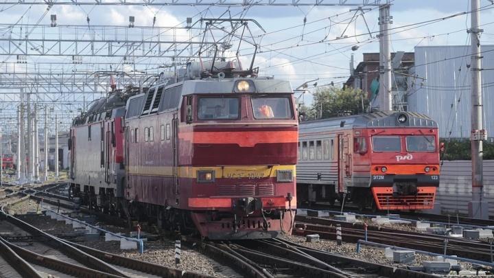 Поезд ближе, чем кажется: главные ошибки, которые совершают водители на железнодорожных переездах