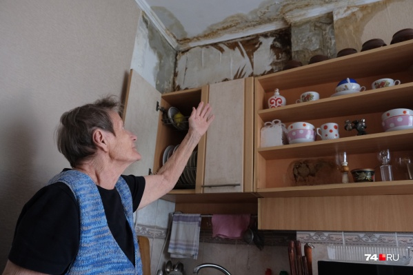 В пятиэтажном доме на проспекте Победы, 360, водой залило квартиры