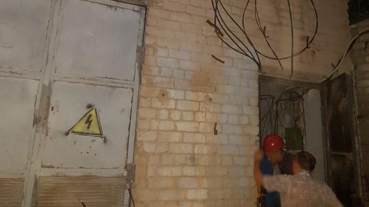 Хорошо отремонтировали: в Волгограде после плановых работ на электросетях загорелась подстанция