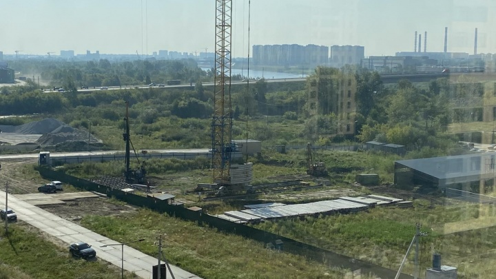 В Зареке начали строить многоэтажку на участке, который был заражен опасным веществом
