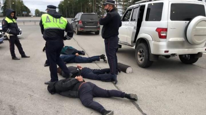 Накачивали газом банкоматы и подрывали их: в Тюменской области поймали банду из Татарстана