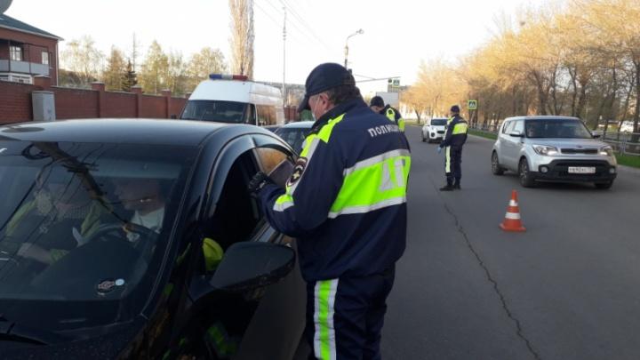 Из-за ужесточения карантина ГИБДД развернула на въезде в Челябинск больше 800 автомобилистов