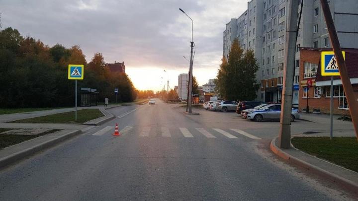 Под колеса иномарки в Тобольске попали женщина с внуком