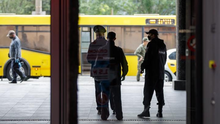 В Волгограде и области накануне отмены всеобщей самоизоляции выписали почти две сотни протоколов