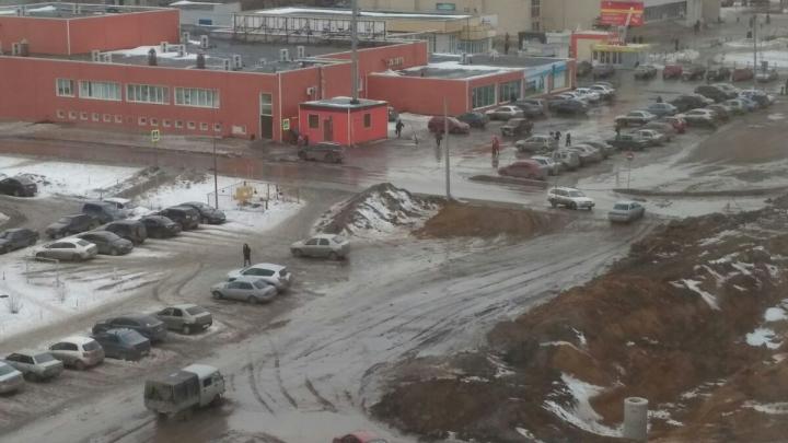 Власти Кургана извинились перед жителями Заозёрного за грязь и неудобства для пешеходов