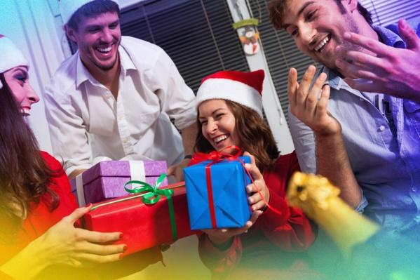 Даже в канун праздника вы найдете здесь тысячу полезных подарков