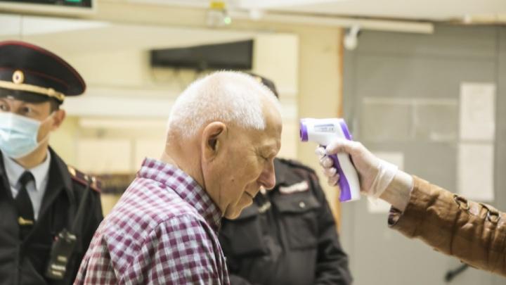 Тепловизор перед бюллетенем и пациенты на ИВЛ: коротко о COVID-19 в Архангельской области за 26 июня