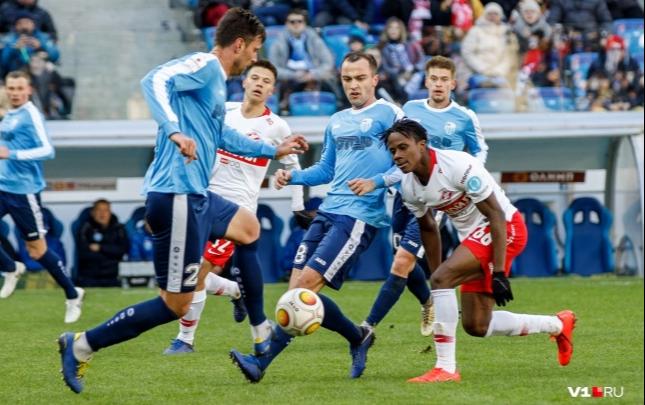 Волгоградский футбольный клуб «Ротор» оштрафовали за нарушение регламента