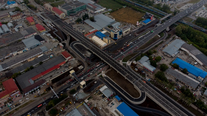 «Отстой какой-то, город обезобразили». Что читатели 72.RU думают о развязке на Мельникайте?