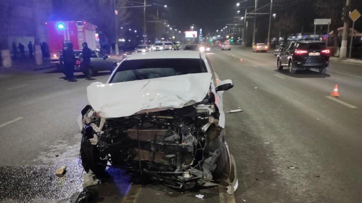Один человек погиб на месте: в Волгограде выясняют обстоятельства страшного ДТП