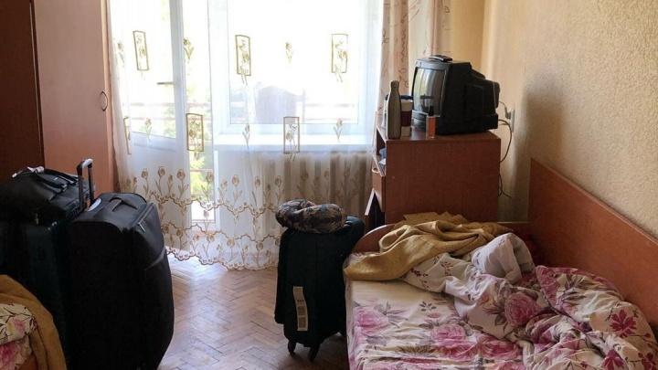 «Загрузили в автобусы, как стадо животных»: екатеринбуржцы, прибывшие из Нью-Йорка, — об обсерваторе в Москве