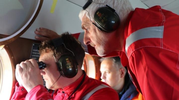 Для поиска пропавших на Камчатке привлекли вертолет. Среди пропавших — два минусинца