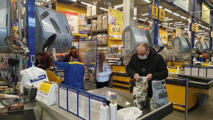 В Челябинске магазины и кафе ушли на недельные каникулы, а сауны решили рискнуть и не закрываться