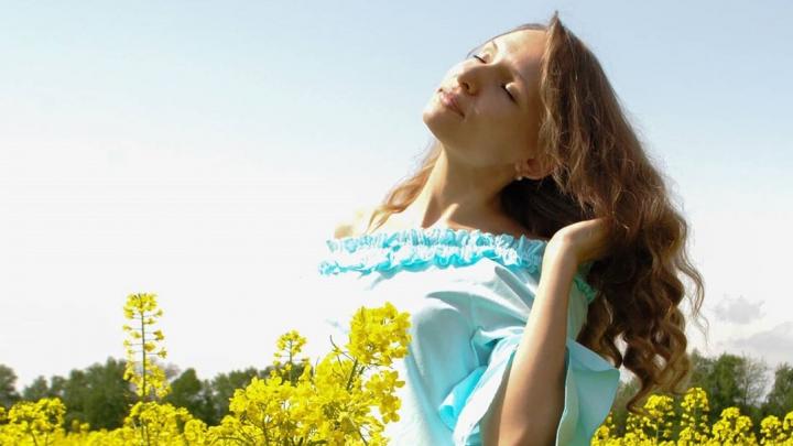 «Пусть нам кружит голову май»: волгоградки променяли самоизоляцию на отдых на улице или природе
