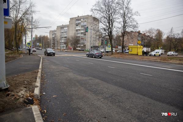 Участок шоссе начали ремонтировать летом 2019 года и до сих пор не могут закончить