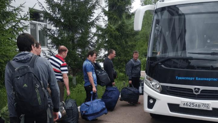 Вахтовики из Якутии, прибывшие в Уфу две недели назад, уже сегодня увидят свои семьи