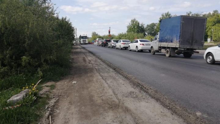 «Другого варианта нет»: из-за ремонта моста жителям Широкой Речки придется терпеть адские пробки