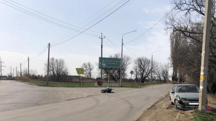 Под Волгоградом подросток разбился на мотоцикле при столкновении с ВАЗ