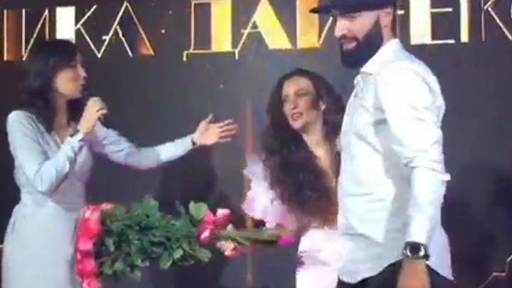 Певица Виктория Дайнеко выступила на дне рождения тюменского блогера