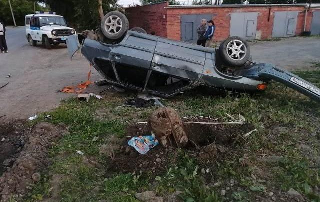 В Богдановиче пьяный водитель перевернул машину на крышу: скончался пассажир, ехавший в багажнике