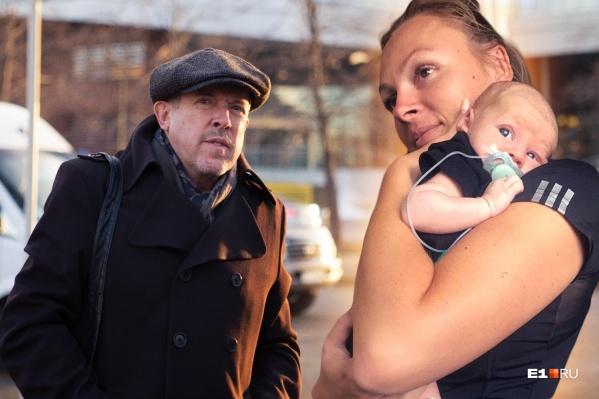 Миша — первый ребенок в России, которому удалось так рано поставить диагноз. Музыкант призвал поддержать Мишу