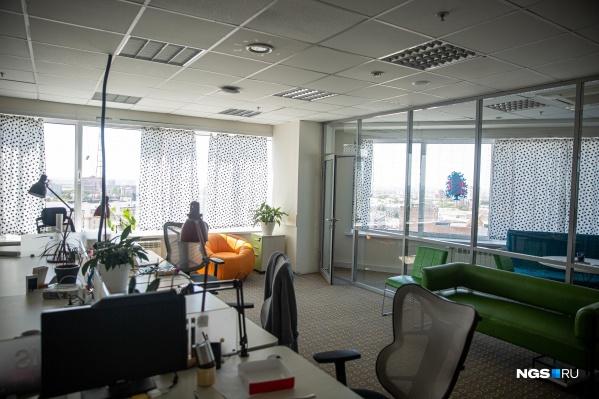 Сейчас в офисе 2ГИС в «Сан-Сити» почти нет людей — большинство сотрудников работают из дома