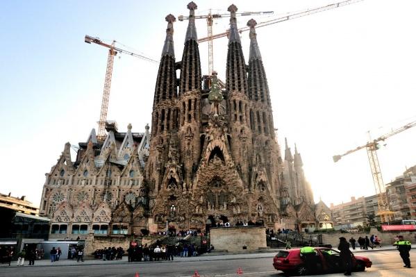 Испания не скоро сможет принять туристов