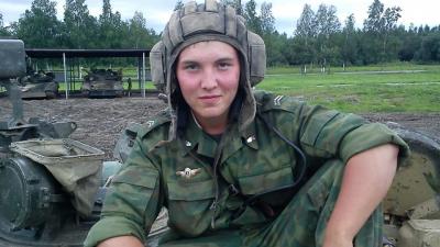 Родные погибшего в Екатеринбурге летчика доставили его тело домой