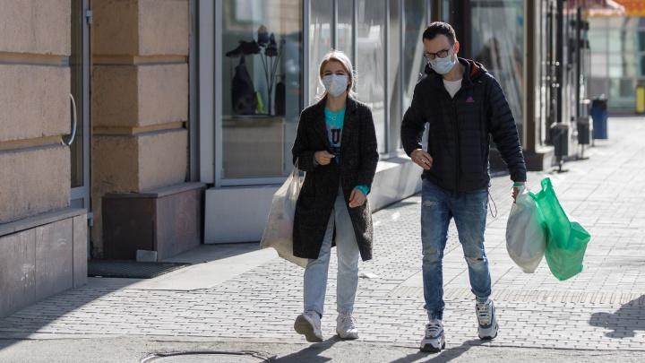 В Архангельске волонтеры начнут выдавать маски детям и людям старше 65 лет
