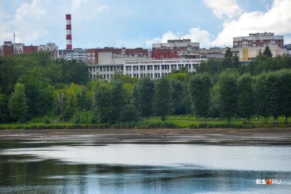 УрГУПС собирается построить новый бассейн на берегу пруда