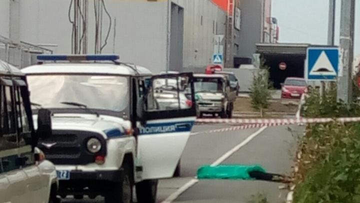 На улице Сперанского из окна выпал человек