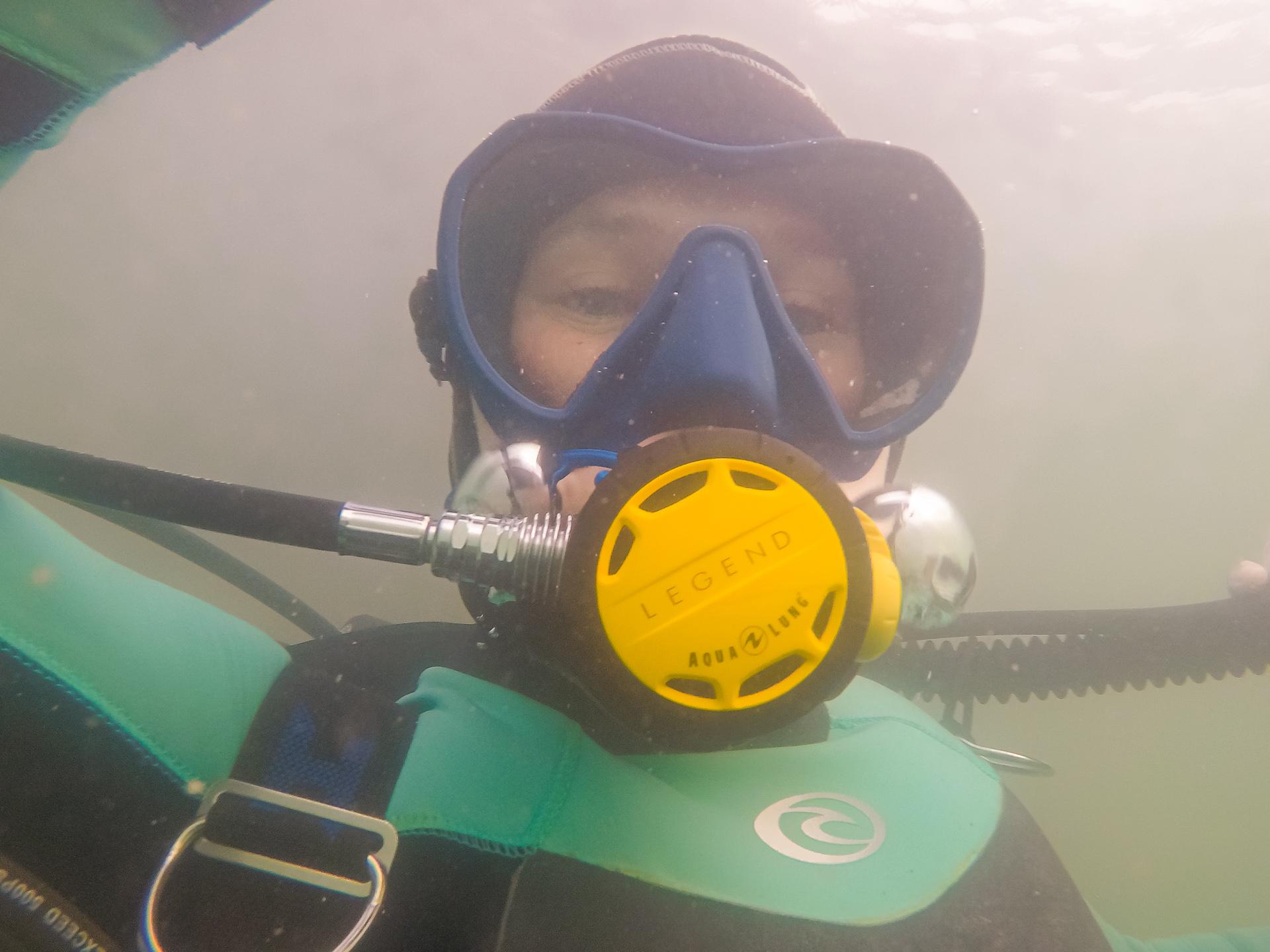 Наш корреспондент наконец расслабился под водой
