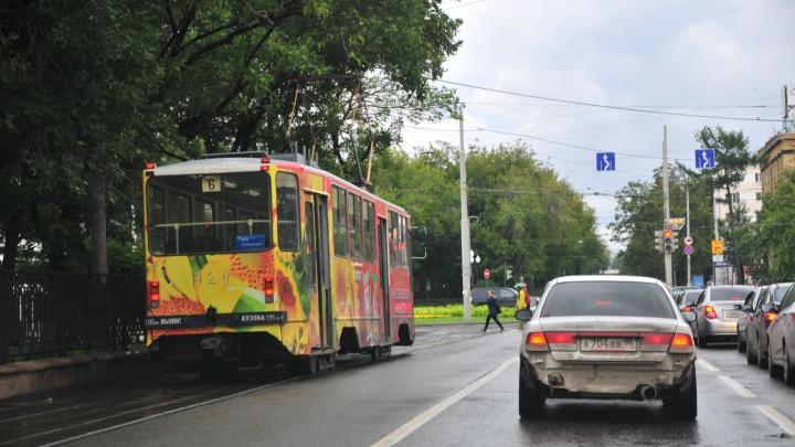 Придется добираться пешком: в августе закроют движение трамваев по проспекту Ленина