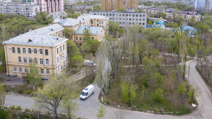 «Дело сдвинулось с мертвой точки»: в волгоградской больнице пациентов с COVID-19 закрыли в отдельных палатах