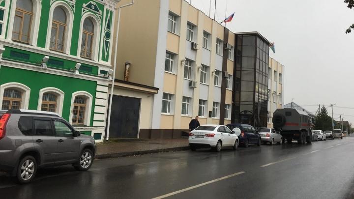 Житель Шадринска обокрал ишимку, которая хранила миллион рублей в ящике стола на работе