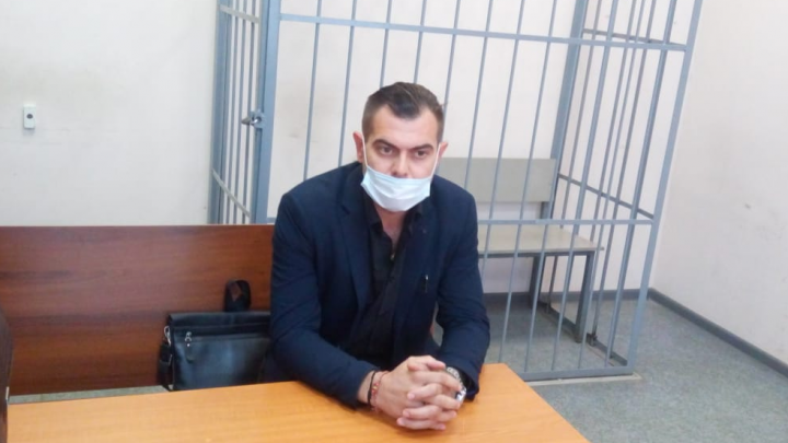 Три наказания за один пикет: суд оштрафовал уральца, которого жестко задержали силовики