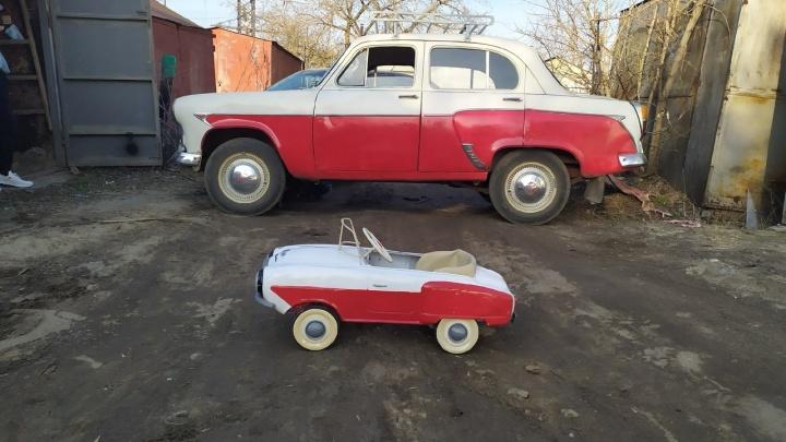 «Мне стало их просто жаль»: волгоградский инженер спас от пути на свалку машинки родом из Советского Союза