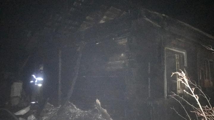 СК проверит обстоятельства гибели троих человек при пожаре в Чусовском районе
