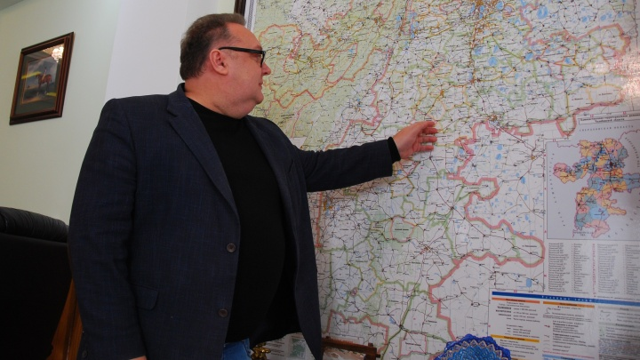 «Всё равно ведь воняет»: мучаем зама Текслера вопросами о выбросах в Челябинске и смешных штрафах за них