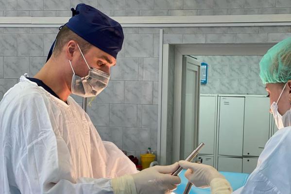 Опухоль удаляли по современной технологии — без внешних разрезов