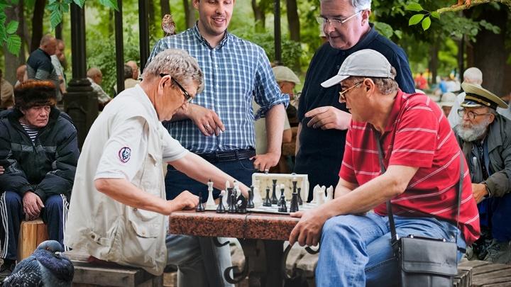 «Клюедо», «Тотополия» и «Уно»: узнали у иностранцев, в какие настолки они играют за рубежом